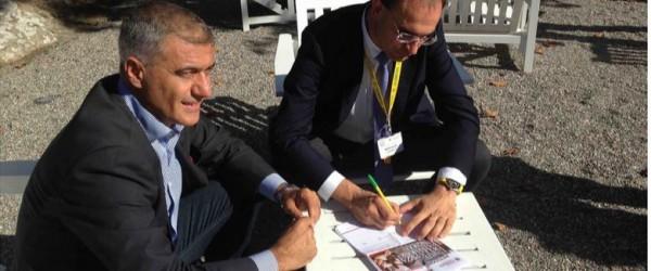Moncalvo firma la petizione
